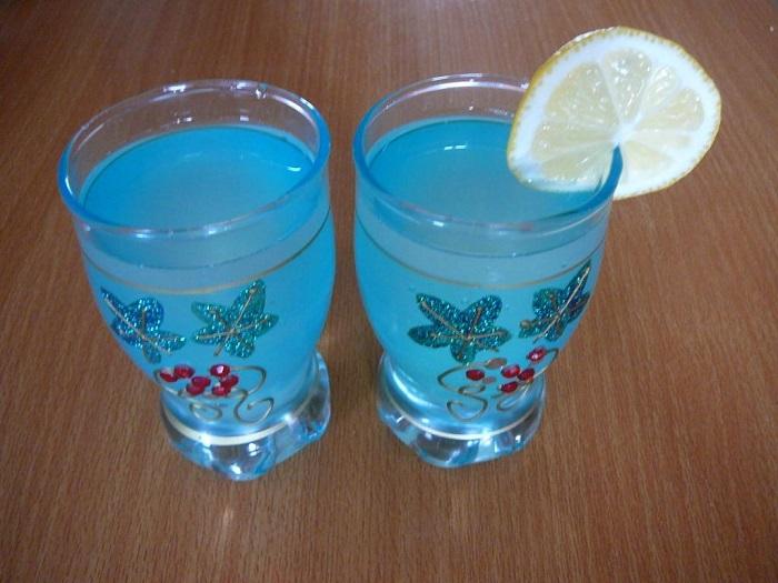 2 бокала лимонада